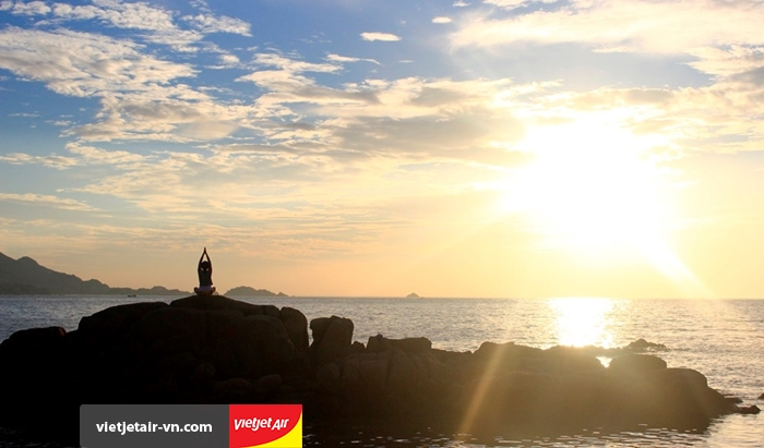 Ngắm mặt trời mọc ở đảo Bình Ba