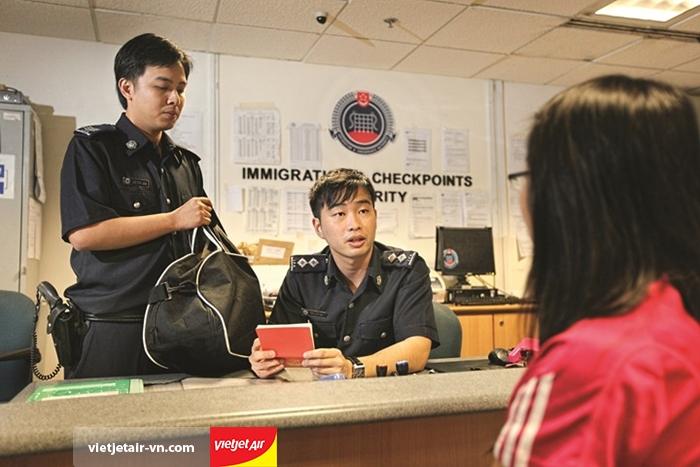 Phỏng vấn khi nhập cảnh Singapore