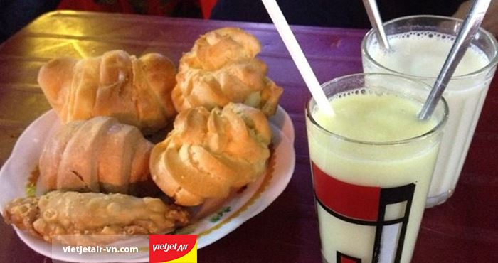 Sữa đậu nành nóng là đồ uống yêu thích của người Đà Lạt