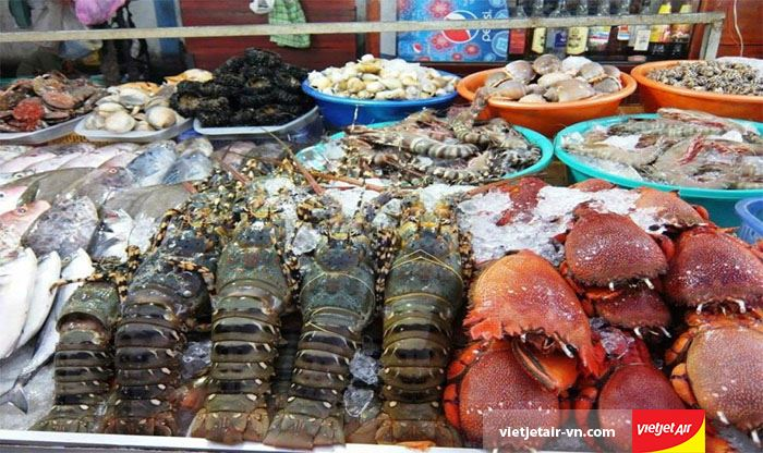 Quán hải sản bình dân Nhà tôi giá rẻ