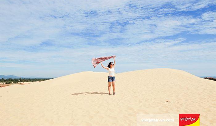 Trải nghiệm trượt cát tại Cồn Phú Quang