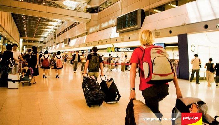 Hành lý ký gửi, không kèm theo vé máy và ngoại trừ 7kg hành lý xách tayHành lý ký gửi, không kèm theo vé máy và ngoại trừ 7kg hành lý xách tay