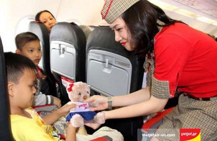 Thông tin mới nhất về việc tăng giá vé máy bay trẻ em của các hãng hàng không