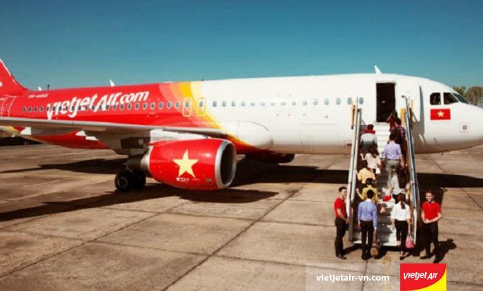 Cảng hàng không Phù Cát là điểm cất/hạ cánh của hãng hàng không Vietjet Air