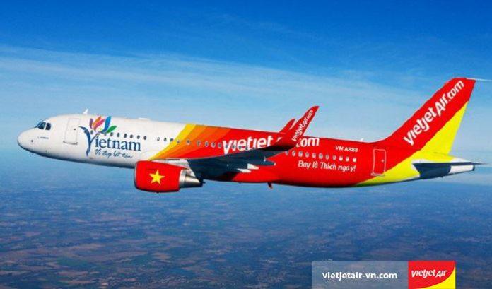 Các hãng hàng không trong nước tăng giá vé máy bay