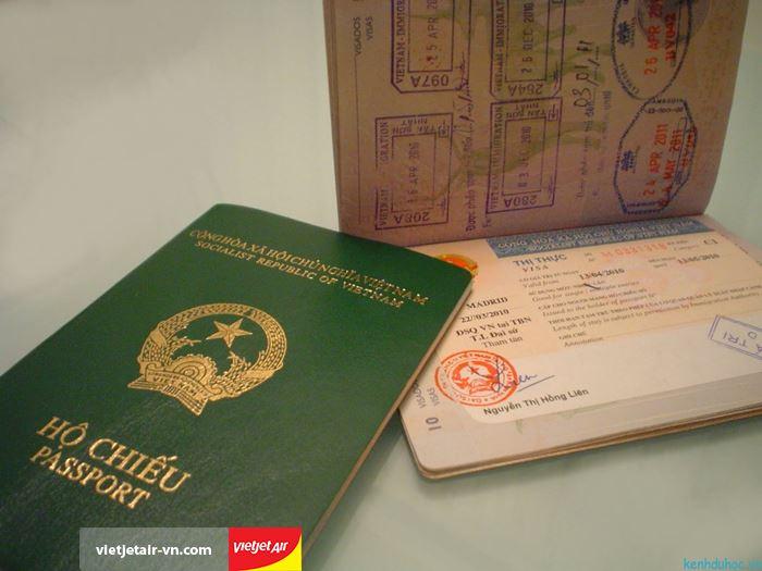 Xuất trình hộ chiếu đối với chuyến bay quốc tế