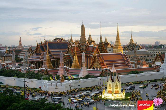 Hoàng cung Grand Palace là khu du lịch nổi tiếng bậc nhất ở Thái Lan